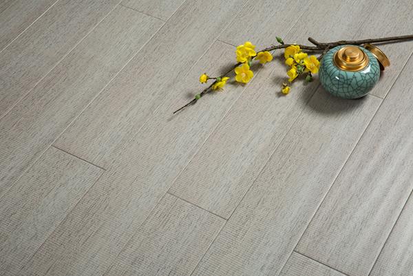 如何才能让实木地暖地板的效果较好!